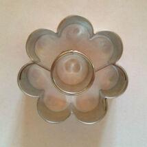 Kör közepű virág linzer kiszúró forma 3,8 cm