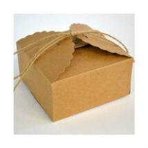 Közepes natúr papír madzagos sütisdoboz, ajándék doboz hullámos szegéllyel 1 db