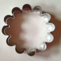 Nagy virág kekszkiszúró forma süteménypecséthez 9,3 cm