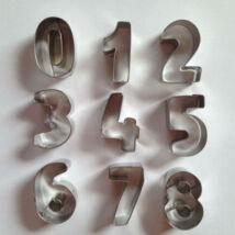 Szám kiszúró készlet, sütikiszúrók 4 cm
