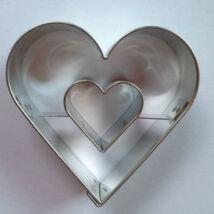 Szív közepű szív linzer kiszúró, sütikiszúró 5,4 cm