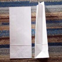 Közepes fehér talpas papírzacskó