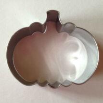 Tök sütikiszúró forma fém Halloween 6 cm