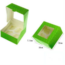 Zöld pöttyös ablakos papír muffin doboz, ajándék doboz 2 db