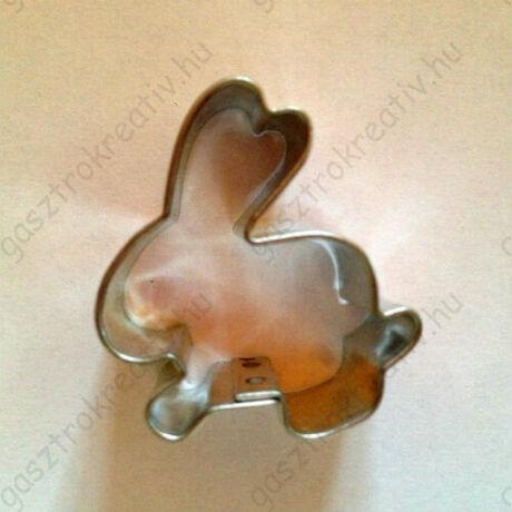 Kis nyuszika húsvéti kiszúró, mézeskalács figura 3,5 cm