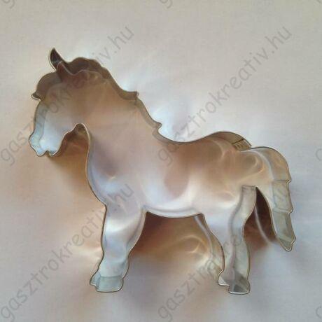 Nagy lovacska sütemény kiszúró forma 9,5 x 11,5 cm