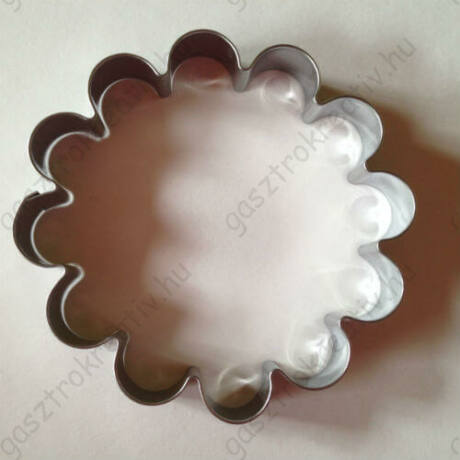 Nagy virág kekszkiszúró forma süteménypecséthez 9,5 cm