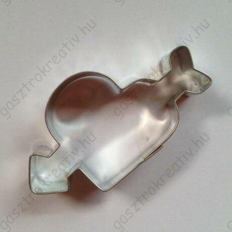 Nyíllal átlőtt szív kiszúró, mézeskalács figura 7,8 x 5,6 cm
