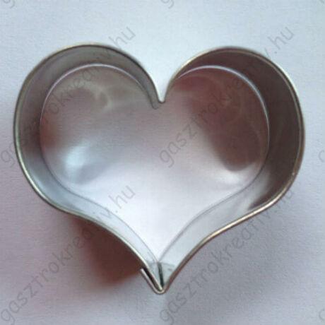Szívecskés süti kiszúró forma 4,2 cm