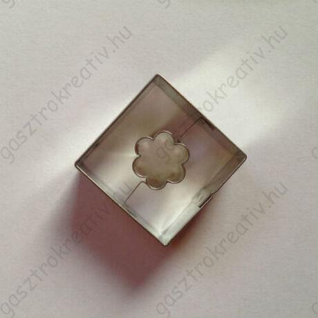 Virág közepű négyzet linzer kiszúró 3,5 cm