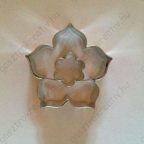 Virág közepű rózsa linzer kiszúró forma 4,4 cm